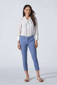 Cropped Sleeves Blouse with Neck Tie detail