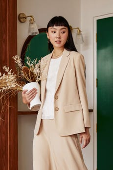 Smooth Poly Relax Blazer with Inner Pockets