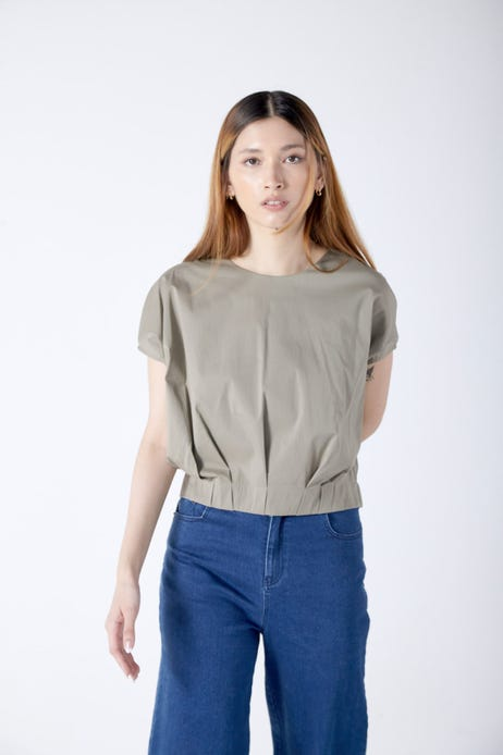 Extended Sleeve Blouse with Pleated Hem
