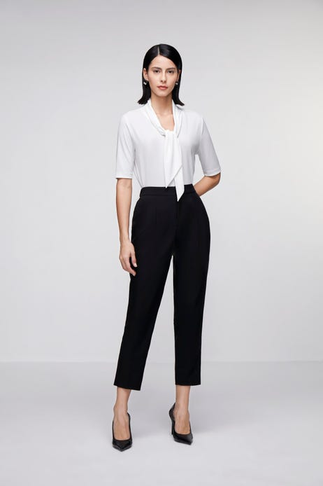 Easy Tapered Pants with Wide Pocket Detail